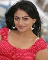Neeru Bajwa Profile, Images and Wallpapers