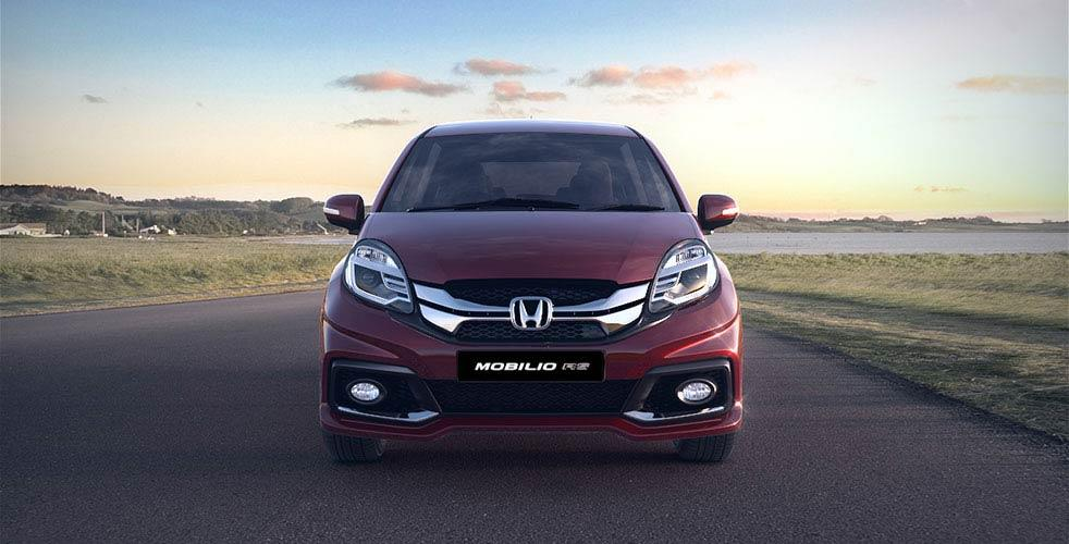 honda mobilio rs front view
